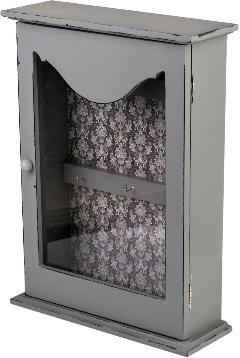 Ключница Miralight, со стеклянной дверцей, 22 х 7,7 х 30,5 см, цвет: светло-серый. ML-4783Брелок для ключейКлючница Miralight, выполненная из МДФ, украсит интерьер помещения, а также поможет создать атмосферу уюта. Ключница, оформленная в прованском стиле, станет не только украшением вашего дома, но и послужит функционально: она представляет собой ящичек со стеклянной дверцей, внутри которого предусмотрено 6 металлических крючков для ключей.Украсив помещение такой необычной ключницей, вы привнесете в свой интерьер элемент оригинальности.