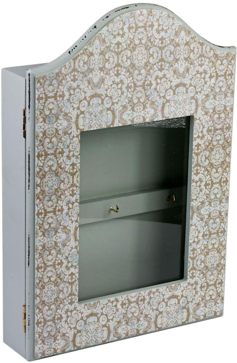 Ключница Miralight, со стеклянной дверцей, 21 х 5,4 х 31 см, цвет: серый. ML-4813Брелок для ключейКлючница Miralight, выполненная из МДФ, украсит интерьер помещения, а также поможет создать атмосферу уюта. Ключница, оформленная в прованском стиле, станет не только украшением вашего дома, но и послужит функционально: она представляет собой ящичек со стеклянной дверцей, внутри которого предусмотрено 6 металлических крючков для ключей.Украсив помещение такой необычной ключницей, вы привнесете в свой интерьер элемент оригинальности.