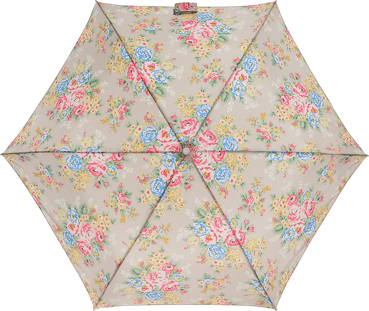 Зонт женский Cath Kidston Minilite, механический, 3 сложения, цвет: бежевый, мультиколор. L768-3139K50K503414_0010Стильный механический зонт Cath Kidston Minilite в 3 сложения даже в ненастную погоду позволит вам оставаться элегантной. Облегченный каркас зонта выполнен из 8 спиц из фибергласса и алюминия, стержень также изготовлен из алюминия, удобная рукоятка - из пластика. Купол зонта выполнен из прочного полиэстера. В закрытом виде застегивается хлястиком на липучке. Яркий оригинальный цветочный принт поднимет настроение в дождливый день.Зонт механического сложения: купол открывается и закрывается вручную до характерного щелчка.На рукоятке для удобства есть небольшой шнурок, позволяющий надеть зонт на руку тогда, когда это будет необходимо. К зонту прилагается чехол с небольшой нашивкой с названием бренда. Такой зонт компактно располагается в кармане, сумочке, дверке автомобиля.