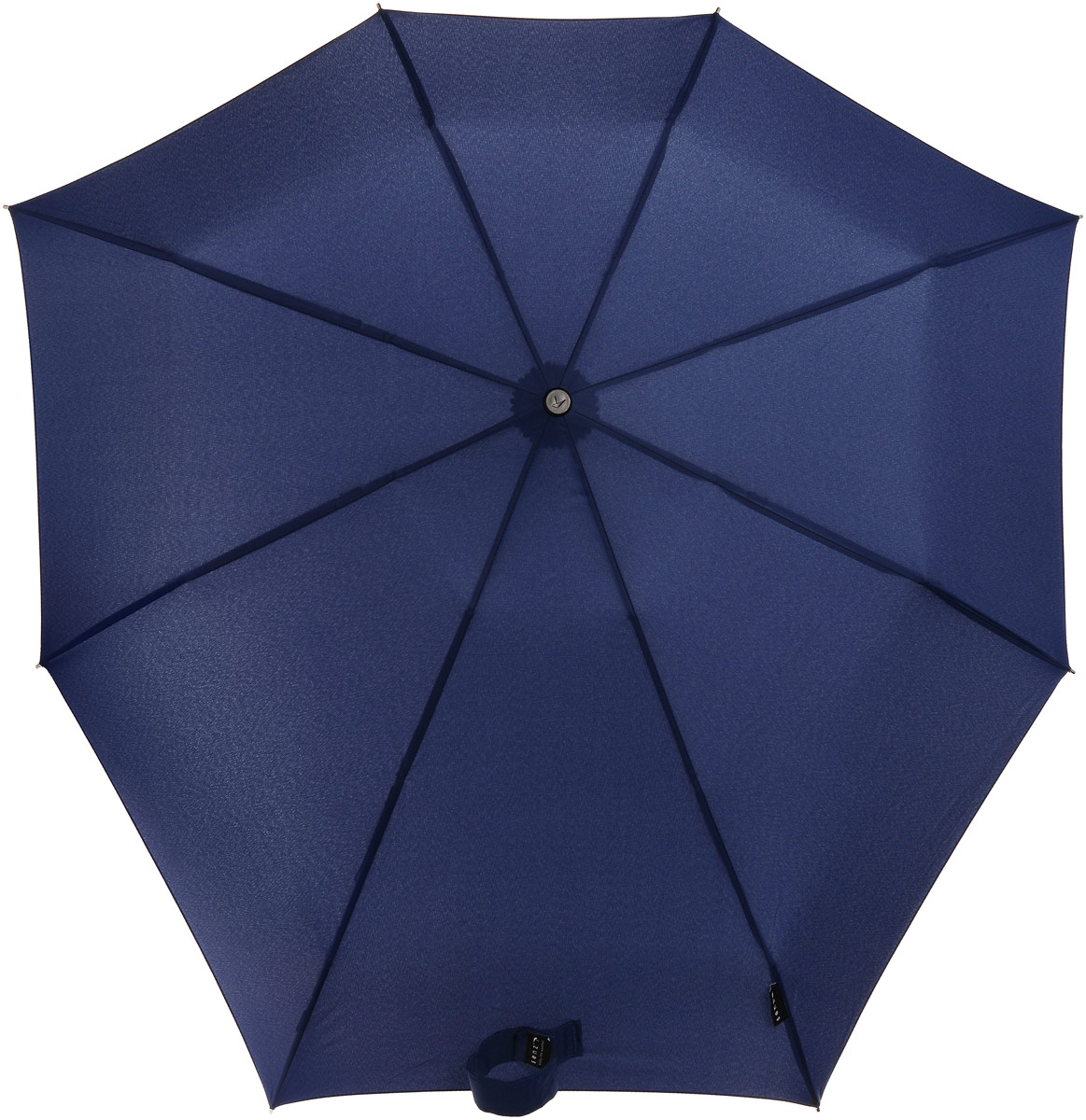 Зонт Senz Smart S, механика, 3 сложения, цвет: темно-синий. 1111021Колье (короткие одноярусные бусы)Инновационный противоштормовой зонт Senz Smart S не даст вам промокнуть.Купол зонта выполнен из качественного полиэстера. Прочный каркас выполнен из стали. Форма купола продумана так, что вы легко найдете самое удобное положение на ветру. Закрывает спину от дождя. Благодаря своей усовершенствованной конструкции, зонт не выворачивается наизнанку даже при сильном ветре. Выдерживает порывы ветра до 60 км/ч. Эргономичная ручка оснащена текстильной петлей, благодаря которой зонт можно носить на запястье.Зонт имеет механический тип сложения: открывается и закрывается вручную.В сложенном виде зонт фиксируется с помощью широкого хлястика с липучкой. К зонту прилагается чехол, который оснащен съемной ручкой на кнопках.