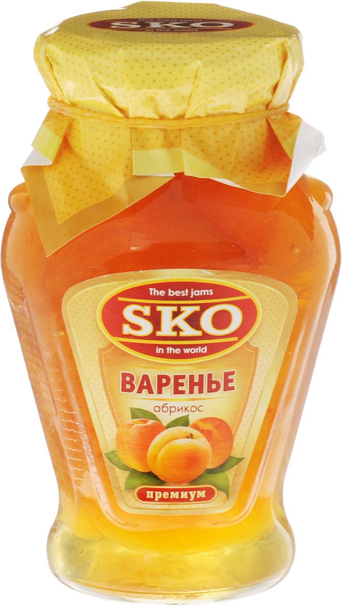 SKO варенье из абрикосов, 400 г11001Варенье из абрикосов SKO - армянское варенье, приготовленное по домашним рецептам и современным технологиям, не содержит пектина.Варенье может использоваться для приготовления пирогов, тортов и других разнообразных десертов, а также в качестве самостоятельного лакомства. Абрикосовое варенье незаменимо для беременных и людей пожилого возраста, имеющих проблемы с сердцем. Абрикосовое варенье понижает высокое давление, снижает нервную возбудимость благодаря большому количеству кальция в нем, а магний и фосфор оказывают положительное влияние на клетки мозга. Трудно представить семейное чаепитие без этого вкусного и полезного лакомства. Уважаемые клиенты! Обращаем ваше внимание, что полный перечень состава продукта представлен на дополнительном изображении.