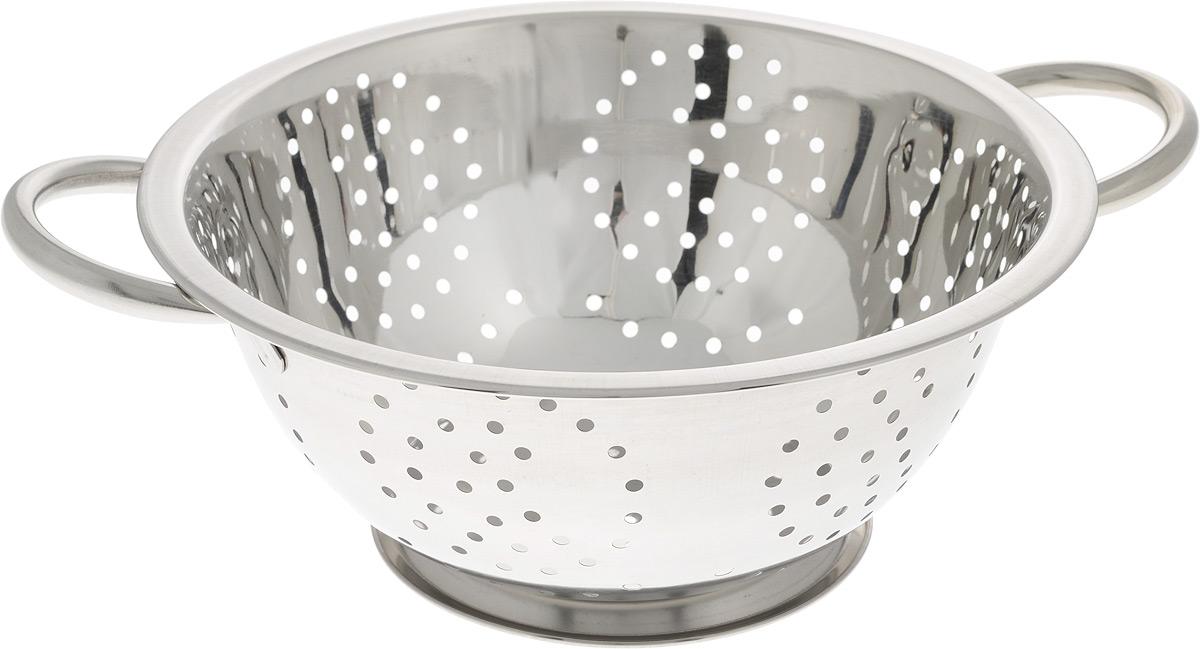 Дуршлаг SSW, диаметр 24 см115510Дуршлаг SSW, изготовленный из высококачественного металла, станет полезным приобретением для вашей кухни. Он предназначен для сливания жидкости, например, после варки макаронных изделий, круп или картофеля. Также дуршлаг используется для мытья и промывания ягод, грибов, мелких фруктов и овощей. Дуршлаг оснащен устойчивым основанием и удобными ручками по бокам.Диаметр (по верхнему краю): 24 см. Ширина (с учетом ручек): 30,5 см. Диаметр основания: 13 см. Высота: 10 см.