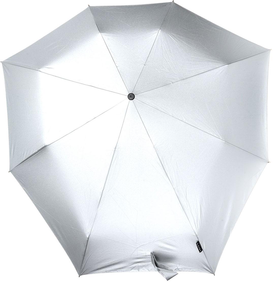Зонт Senz, механический, цвет: металлик. 1111020CX1516-50-10Стильный механический зонт Senz оформлен в лаконичном стиле. Оригинальный каркас зонта выполнен из фибергласса, а удобная рукоятка - из пластика. Купол зонта из прочного полиэстера изготовлен так, что вы легко найдете самое удобное положение на ветру - без паники и без борьбы со стихией. В закрытом виде застегивается хлястиком на липучке.Зонт механического сложения: купол открывается и закрывается вручную до характерного щелчка. На рукоятке для удобства есть небольшой шнурок, позволяющий надеть зонт на руку тогда, когда это будет необходимо. К зонту прилагается чехол, дополненный небольшим хлястиком на кнопках.Благодаря своей усовершенствованной конструкции, зонт не выворачивается наизнанку даже при сильном ветре. Это улучшенная модель компактного противоштормового зонта Smart.