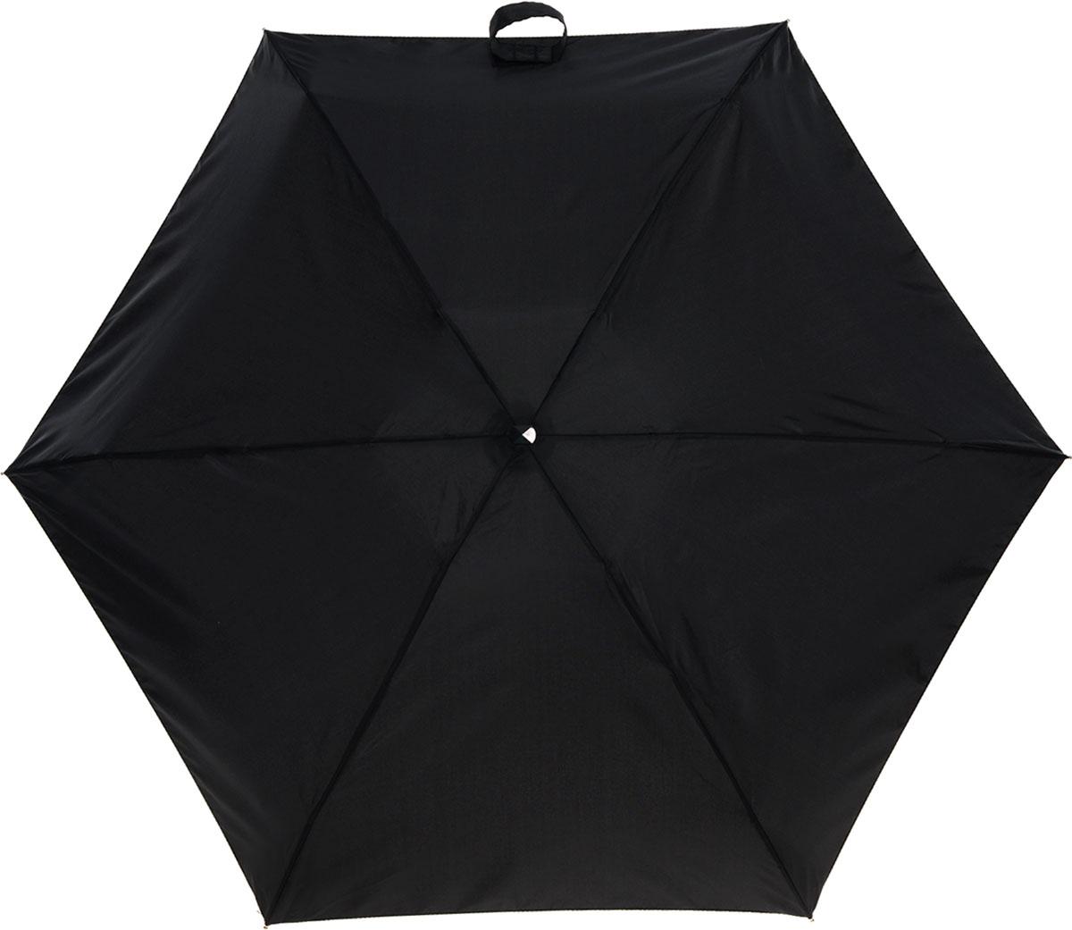 """Зонт женский Fulton, механический, 5 сложений, цвет: черный45100839/18076/7900NСтильный сверхкомпактный зонт """"Fulton"""" защитит от непогоды, а его компактный размер позволит вам всегда носить его с собой. """"Ветростойкий"""" плоский алюминиевый каркас зонта в 5 сложений состоит из шести спиц с элементами из фибергласса, зонт оснащен удобной рукояткой из прорезиненного пластика. Купол зонта выполнен из прочного полиэстера черного цвета. На рукоятке для удобства есть небольшой шнурок, позволяющий надеть зонт на руку тогда, когда это будет необходимо. К зонту прилагается чехол.Зонт механического сложения: купол открывается и закрывается вручную, стержень также складывается вручную до характерного щелчка. Характеристики: Материал: алюминий, фибергласс, пластик, полиэстер. Цвет: черный. Диаметр купола: 87 см. Длина зонта в сложенном виде: 15 см. Длина ручки (стержня) в раскрытом виде:50 см.Вес: 158 г.Артикул: L500 3F001."""
