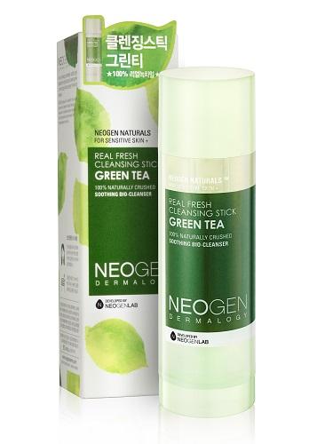 Neogen Dermalogy Очищающий стик с зеленым чаем подходить для чувствительной кожи Real fresh Stick Green Tea 80г72523WDИнновационный очищающий стик на 99% состоит из натуральных компонентов, включая в состав частицы зеленого чая, масла камелии, вечерней примрозы, оливы и другие ценные ингредиенты, обеспечивающие бережный уход за кожей. Уникальная формула бережно и мягко очищает кожу от макияжа и других загрязнений, оставляя ее чистой, свежей и увлажненной. Необычный компактный формат идеален для ежедневного применения. Подходит для всех типов кожи, в том числе чувствительной. Не содержит парабены, сульфаты, минеральное масло и другие потенциально опасные ингредиенты.