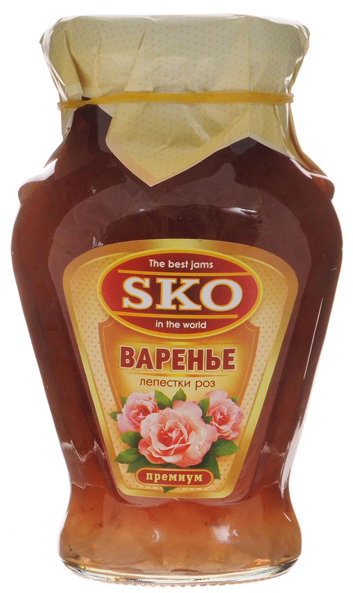 SKO варенье из лепестков роз, 400 г0120710Варенье из лепестков роз SKO - армянское варенье, приготовленное по домашним рецептам и современным технологиям, не содержит пектина. Варенье может использоваться для приготовления пирогов, тортов и других разнообразных десертов, а также в качестве самостоятельного лакомства.Варенье из лепестков роз - наглядное доказательство того, что цветы могут быть не только очень красивыми, но и очень вкусными. Варенье из лепестков роз заряжает энергией, лечит легкие, насыщает организм витаминами и минералами. Также оно полезно при очищении организма от шлаков и вредных веществ.