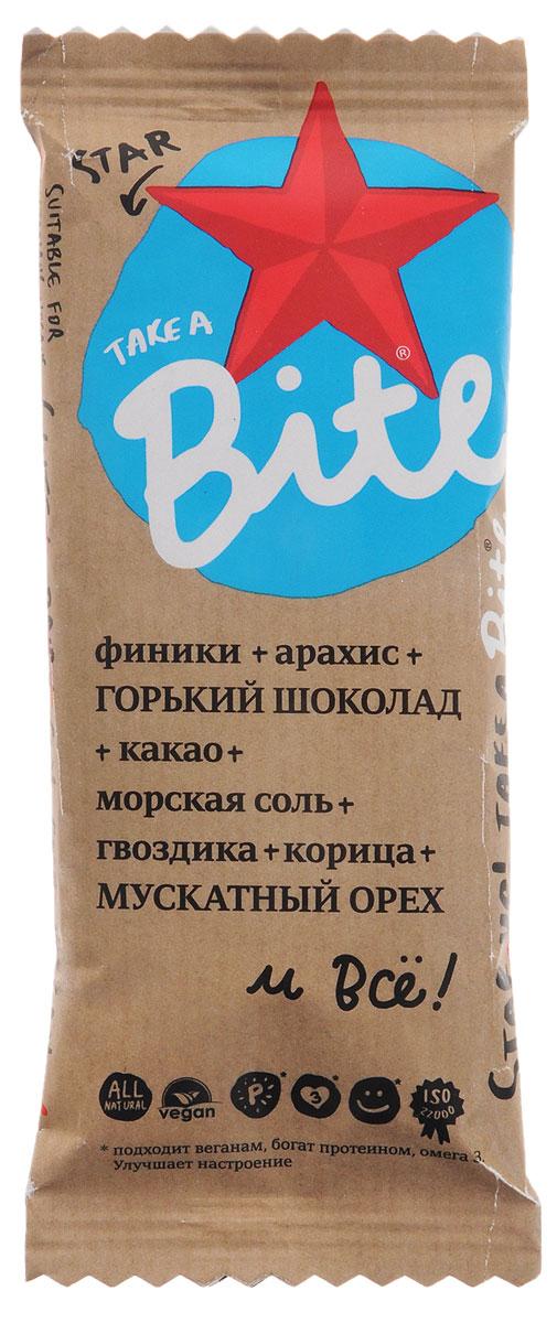 Take A Bite Шоколад-Мускатный орех Star батончик фруктово-ореховый, 45 г0120710Для тех, кто не боится менять стереотипы. Для сильных духом со здоровым телом.Будьте мечтой, будьте сильными вместе с батончиком Take A Bite Star.Уважаемые клиенты! Обращаем ваше внимание, что полный перечень состава продукта представлен на дополнительном изображении.