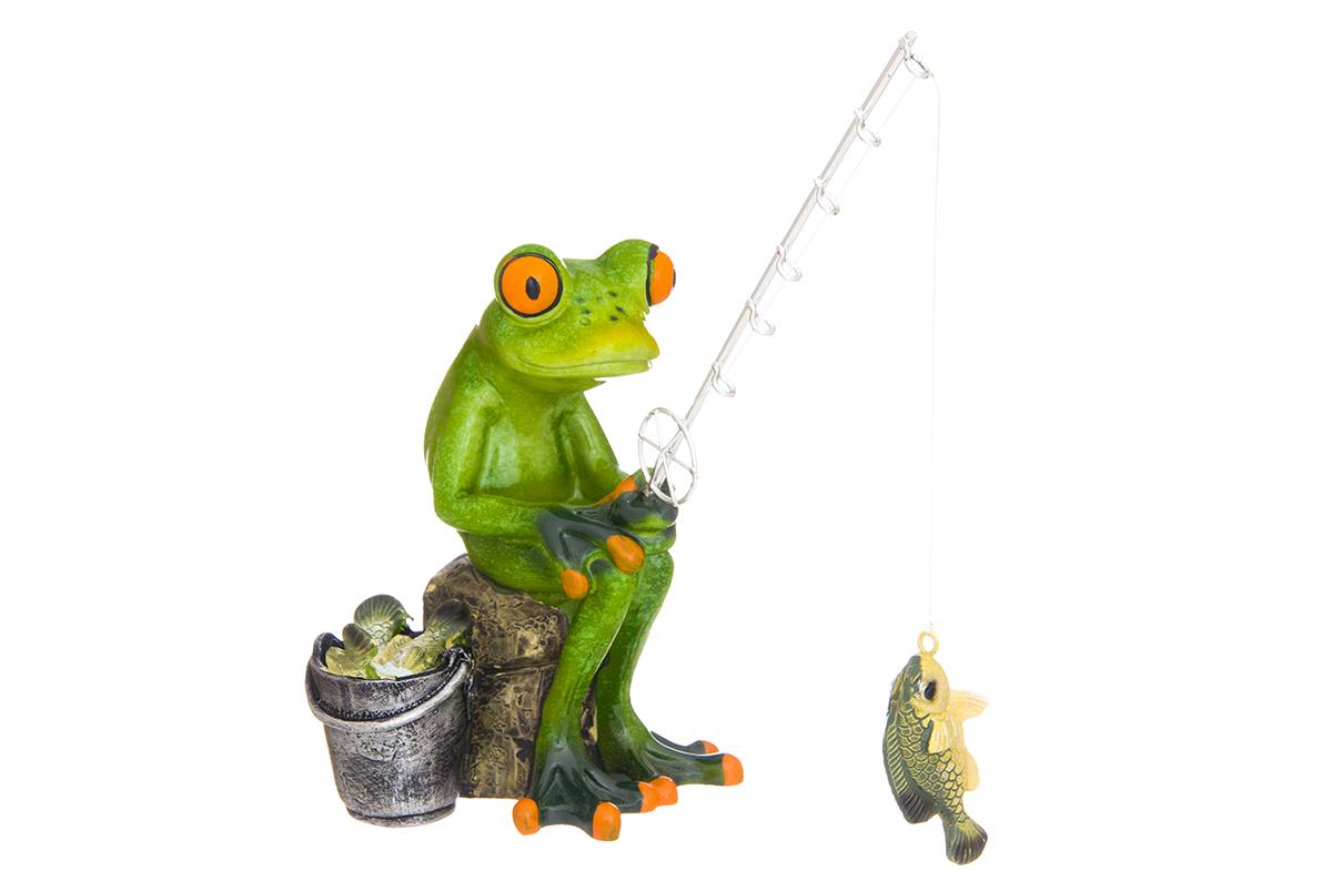 Фигурка декоративная Elan Gallery Лягушонок-рыболов, высота 16,5 смTHN132NДекоративные фигурки - это отличный способ разнообразить внутреннее убранство вашего дома. Декоративная фигурка с изображением лягушки станет прекрасным сувениром, который вызовет улыбку и поднимет настроение.Фигурка выполнена из полистоуна.Размер статуэтки: 15 х 8 х 16,5 см.
