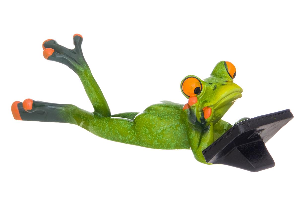 Фигурка декоративная Elan Gallery Лягушонок с планшетом, 18,5 х 6,5 х 5,5 см74-0120Декоративные фигурки в виде забавных лягушат, изготовленные из полистоуна, станут необычным аксессуаром для вашего интерьера. Эти очаровательные вещицы станут отличным подарком Вашим друзьям и близким.