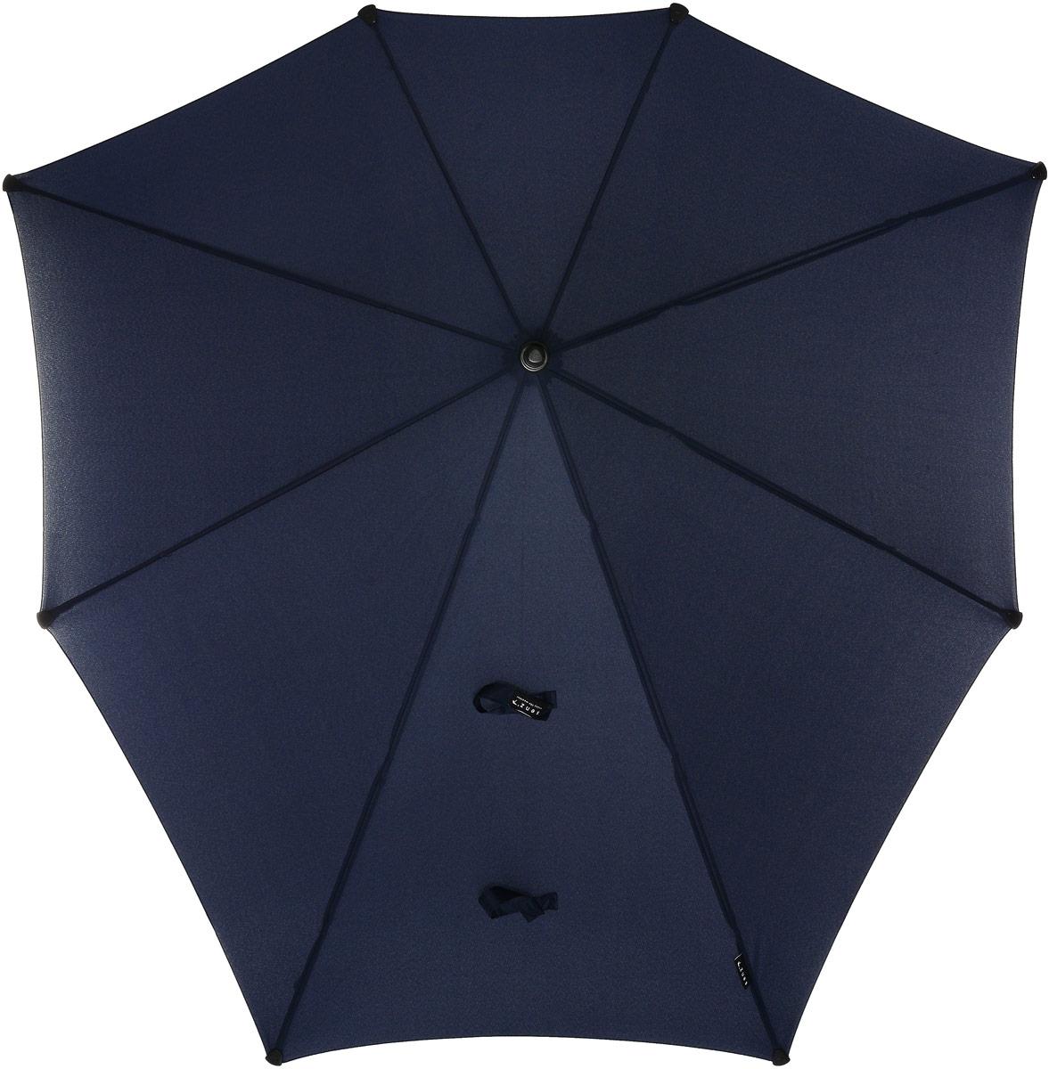 Зонт-трость Senz, механика, цвет: темно-синий. 4011002Колье (короткие одноярусные бусы)Элегантный и самый большой зонт-трость в коллекции бренда Senz не оставит вас без внимания. Оформлена модель в лаконичном дизайне.Конструкция зонта выполнена из стеклопластика, а ручка изготовлена из алюминия. Купол выполнен из качественного полиэстера, который не пропускает воду. Также зонт имеет заостренный наконечник, который устраняет попадание воды на стержень и уберегает зонт от повреждений.Изделие имеет механическое устройство сложения: купол открывается и складывается вручную до характерного щелчка. В комплекте имеется прочный чехол из плотной ткани с лямкой на плечо. Форма оригинального зонта продумана так, что вы легко найдете самое удобное положение на ветру - без паники и без борьбы со стихией.