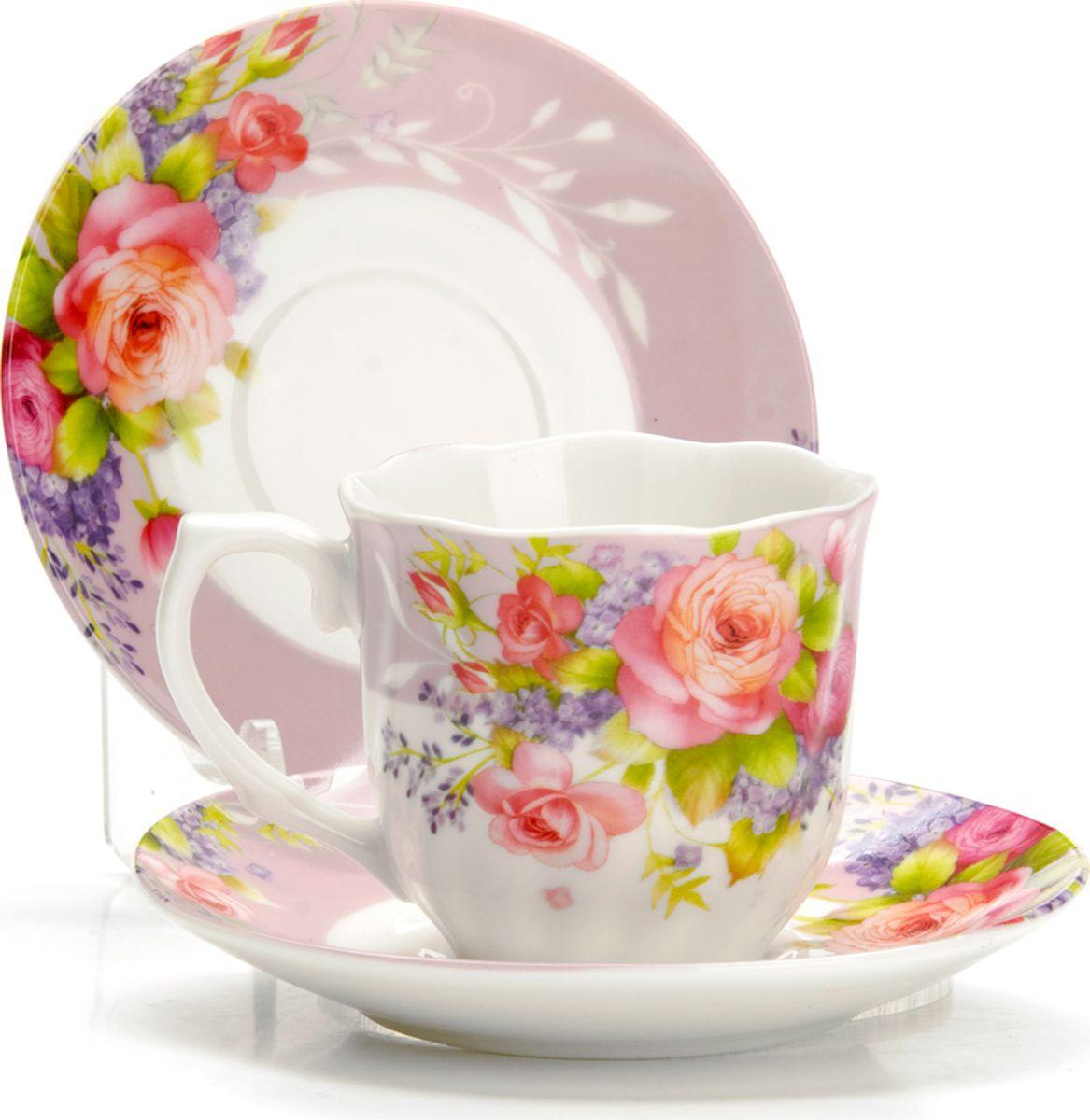 Набор кофейный Loraine, 12 предметов. 43332VT-1520(SR)Кофейный сервиз на 6 персон изготовлен из качественного фарфора и оформлен красивым цветочным рисунком. Элегантный и удобный кофейный сервиз не только украсит сервировку стола, но и поднимет настроение и превратит процесс чаепития в одно удовольствие.Сервиз состоит из 12 предметов: шести чашек и шести блюдец, упакованных в подарочную коробку. Чашки имеют удобную, изящную ручку. Изделия легко и просто мыть. Кофейный сервиз прекрасно подойдет в качестве подарка для родных и друзей на любой праздник!Диаметр чашки: 6 см.Высота чашки: 5,5 см.Объем чашки: 80 мл.Диаметр блюдца: 11 см.