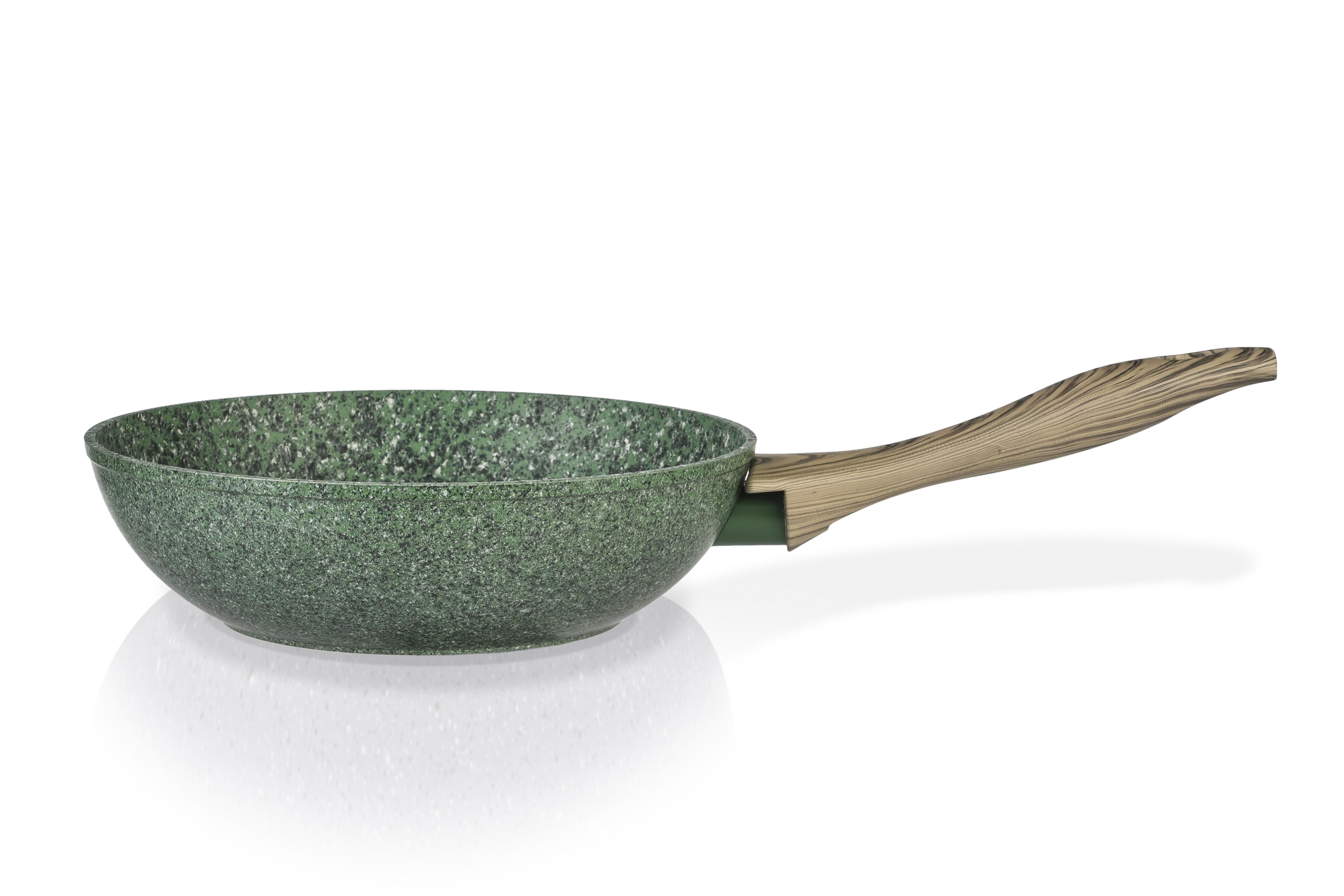 Сковорода-вок Fissman Malachite, с антипригарным покрытием.Диаметр 28 смAL-4315.28Сковорода-вок Fissman Malachite изготовлена из литого алюминия с многослойным антипригарным покрытием EcoStone, которое усилено вкраплением каменных частиц.1 слой улучшает сцепление покрытия с металлом; 2 слой - грунтовый, 3 слой - более прочное покрытие на основе минеральных компонентов; 4 слой - высокопрочное антипригарное покрытие, усиленное вкраплением каменных частиц; 5 дополнительный антипригарный слой с керамическими частицами. Главное преимущество такого покрытия - устойчивость к царапинам и износу. Также покрытие безопасно для здоровья человека и окружающей среды. Утолщенное дно сковороды равномерно распределяет тепло, что позволяет продуктам готовиться быстро и равномерно. Эргономичная бакелитовая ручка не нагревается и не скользит в руках. Диаметр (по верхнему краю): 28 см. Диаметр дна: 16,5 см. Высота стенок: 8 см.