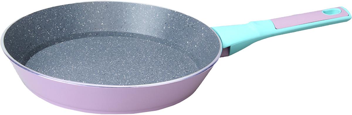 Сковорода Fissman Bora Bora, с антипригарным покрытием. Диаметр 20 см41619Сковорода Fissman Bora Bora изготовлена из алюминия с многослойным сверхпрочным антипригарным покрытием TouchStone, состоящим из нескольких слоев натуральной каменной крошки на основе минеральных компонентов. Первый слой улучшает сцепление покрытия с металлом, второй слой - грунтовый, третий слой - более прочное покрытие на основе минеральных компонентов, четвертый слой - высокопрочное антипригарное покрытие, усиленное вкраплением каменных частиц, пятый дополнительный антипригарный слой с керамическими частицами. Такое покрытие безопасно для здоровья человека и не вредит окружающей среде. Индукционное дно сковороды равномерно прогревается, что позволяет готовить продукты за более короткое время. Удобная мягкая ручка, выполненная из бакелита, не скользит в мокрых руках и не нагревается в процессе приготовления. Подходит для газовых, электрических, стеклокерамических, индукционных плит. Можно мыть в посудомоечной машине. Высота стенок: 4 см. Длина ручки: 17 см.