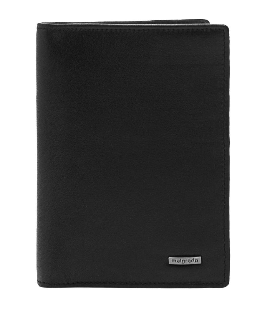 Обложка для документов Malgrado, цвет: черный. 54019-3-55D7A4110-6103Стильная обложка для документов Malgrado, выполненная из натуральной кожи черного цвета, несомненно, понравится любому мужчине. Обложка может послужить как для хранения автодокументов, так и паспорта. Внутри содержится съемный блок из шести прозрачных файлов для автодокументов. Также имеется 5 кармашков для визиток и пластиковых карт. Обложка поможет сохранить внешний вид ваших документов и защитит их от повреждений, а также станет стильным аксессуаром, который подчеркнет ваш образ. Обложка упакована в подарочную коробку синего цвета с логотипом фирмы. Характеристики:Материал: натуральная кожа, пластик. Цвет: черный. Размер обложки: 9,5 см х 13,7 см. Размер упаковки: 16 см х 11,5 см х 3 см. Артикул: 54019-3-55D.