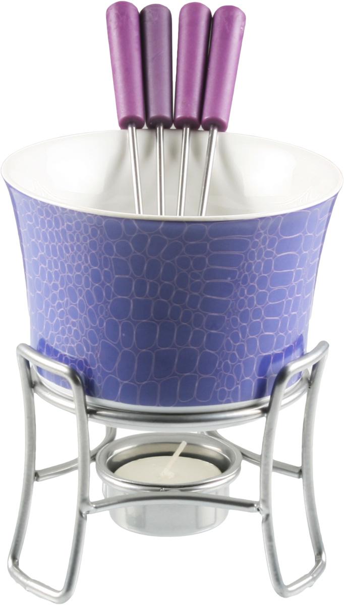 Набор для фондю Fissman Anne, 6 предметов115510Набор для фондю Fissman Anne состоит из керамической чаши, 4 вилочек и подставки с чайной свечей. Такой набор идеален для вечернего застолья в окружении семьи или друзей. Изделие отличается оригинальным дизайном. Используйте этот набор для приготовления сырных или сладких смесей для фондю. Нарежьте кусочки хлеба, мяса, овощей, бананов, клубники, ананаса или зефира на кубики. Этот универсальный набор позволит каждому из ваших гостей насладиться тем продуктом, который ему нравится больше всего. Можно мыть в посудомоечной машине. Диаметр чаши: 11,5 см. Высота (с подставкой): 13 см.