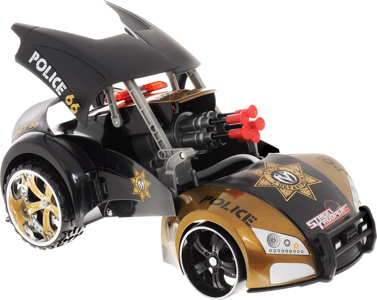 """Радиоуправляемая машина-трансформер """"Project:66"""" от бренда Maisto - это увлекательная игрушка, которая станет необыкновенным подарком вашему мальчику! Помимо движения она умеет еще и стрелять! Кроме того, с помощью пульта дистанционного управления машина в одно мгновение превращается в грозного робота! Автомобиль стреляет уникальными ракетами на присосках, которые могут бить цель на расстоянии 2-х метров! С такой машинкой ваш ребенок никогда не заскучает, каждый раз придумывая новые захватывающие сюжеты для игр! Для работы игрушки необходимы 6 батарейки типа АА напряжением 1,5V (товар комплектуется демонстрационными). Для работы пульта управления необходима 1 батарейка типа """"Крона"""" напряжением 9V (товар комплектуется демонстрационной)."""