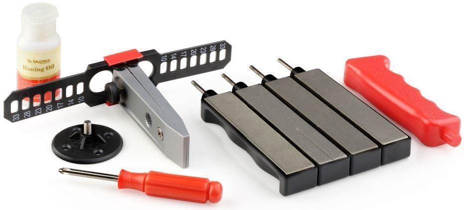 Набор для заточки Ножемир Taidea, в кейсе. T0931D67742полное название: набор для заточки стальных ножей в кейсе T0931Dбренд: Taideaразмер кейса, см: 23,5 х 4 х 15,5зернистость, грит: 360; 480; 600; 800в комплекте: 4 алмазных бруска разной зернистости; фиксатор для ножа; масло для заточки; пластиковый кейс