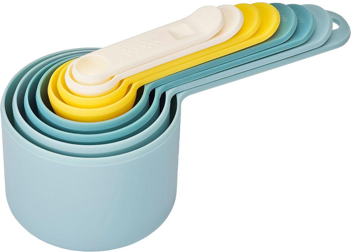 Набор мерных емкостей Joseph Joseph Nest, цвет: опал, 8 штMT-1945Набор Joseph Joseph Nest, выполненный из высококачественного пищевого пластика, состоит из 8 мерных емкостей различного объема. Емкости складываются друг в друга, что позволяет существенно экономить пространство на кухне. Ручки емкостей оснащены отметками литража (в миллилитрах и tsp/cup). Набор позволяет измерять объем от 1,25 мл до 250 мл и от 1/4 чайной ложки до 1 чашки.Набор мерных емкостей Joseph Joseph Nest станет незаменимым помощником в приготовлении пищи, а современный стильный дизайн позволит такому набору занять достойное место на вашей кухне, добавив интерьеру оригинальности.Коллекция Nest - это практичность, экономия пространства, яркие краски и стиль! В любом доме будут рады такому подарку, и никто не останется равнодушным к этому набору.Можно мыть в посудомоечной машине.Объем мерных емкостей: 1,25 мл; 2,5 мл; 5 мл; 15 мл; 60 мл; 85 мл; 125 мл; 250 мл. Длина емкостей (с ручками): 7,5-18 см.