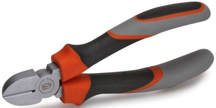 Бокорезы КВТ Мастер 160 ммCA-3505Режущие кромки дополнительно закалены токами высокой частоты. HRC 62Двухсторонняя диагональная заточка лезвийРезка мягкой проволоки диаметр до 4 мм и твердой проволоки диаметр до 2 ммЧистый и аккуратный резМатериал рабочей части: инструментальная хром-ванадиевая стальОбработка поверхности: матовое никелированиеМногокомпонентные рукоятки с упорами для защиты от соскальзыванияДлина 160 ммВес 215 г