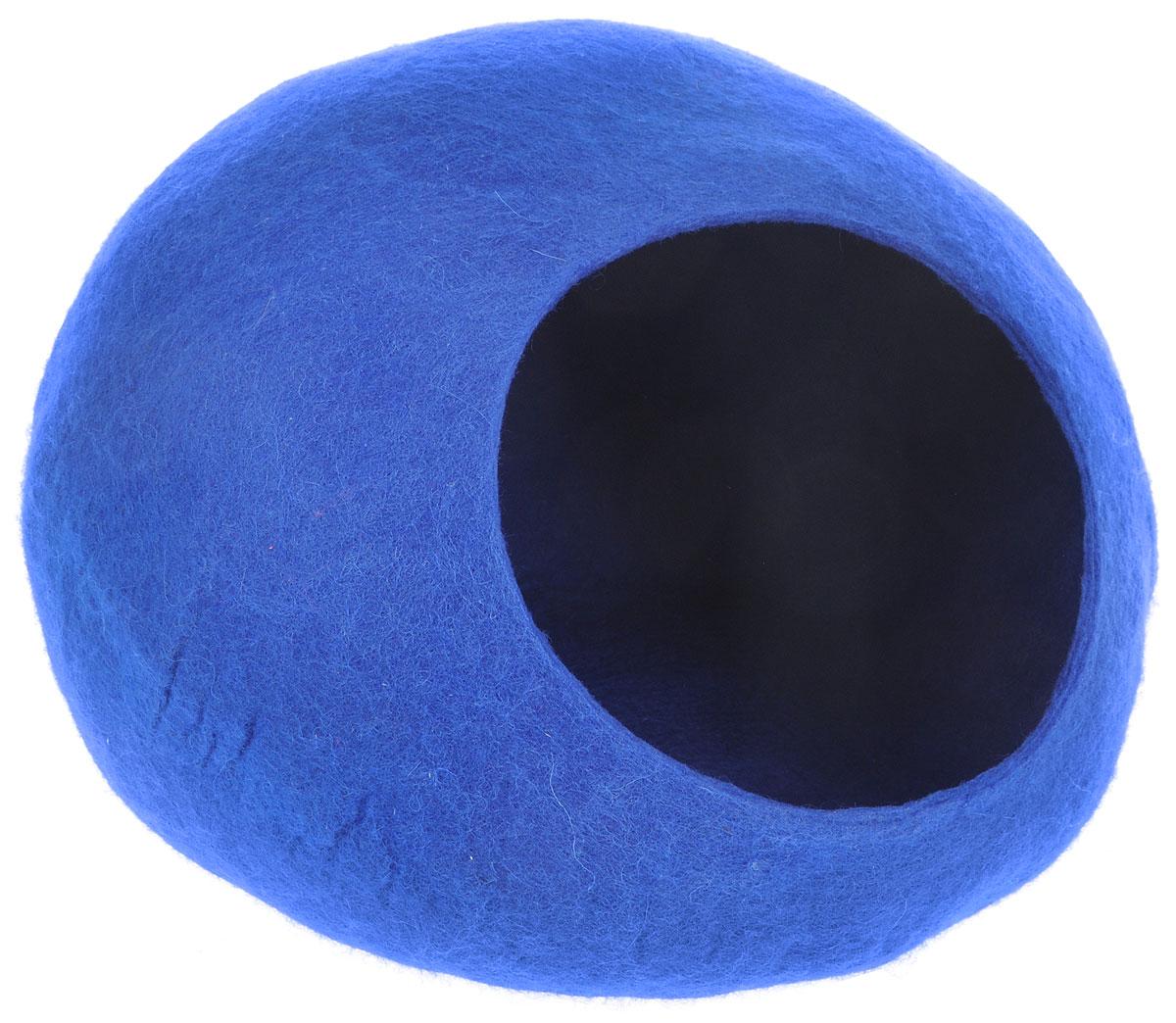 Домик-слипер для животных Zoobaloo WoolPetHouse, цвет: синий, размер MDM-160113-3Домик-слипер WoolPetHouse предназначен для отдыха и сна питомца. Домик изготовлен из 100% шерсти мериноса. Это невероятное творение дизайнеров обещает быть хитом сезона! Производитель учел все особенности животного сна: форма, цвет, материал этих домиков - всё подобрано как нельзя лучше! В них ваши любимцы будут видеть только цветные сны. Шерсть мериноса обеспечит превосходный микроклимат внутри домика, а его форма позволит питомцу засыпать в самой естественной позе.