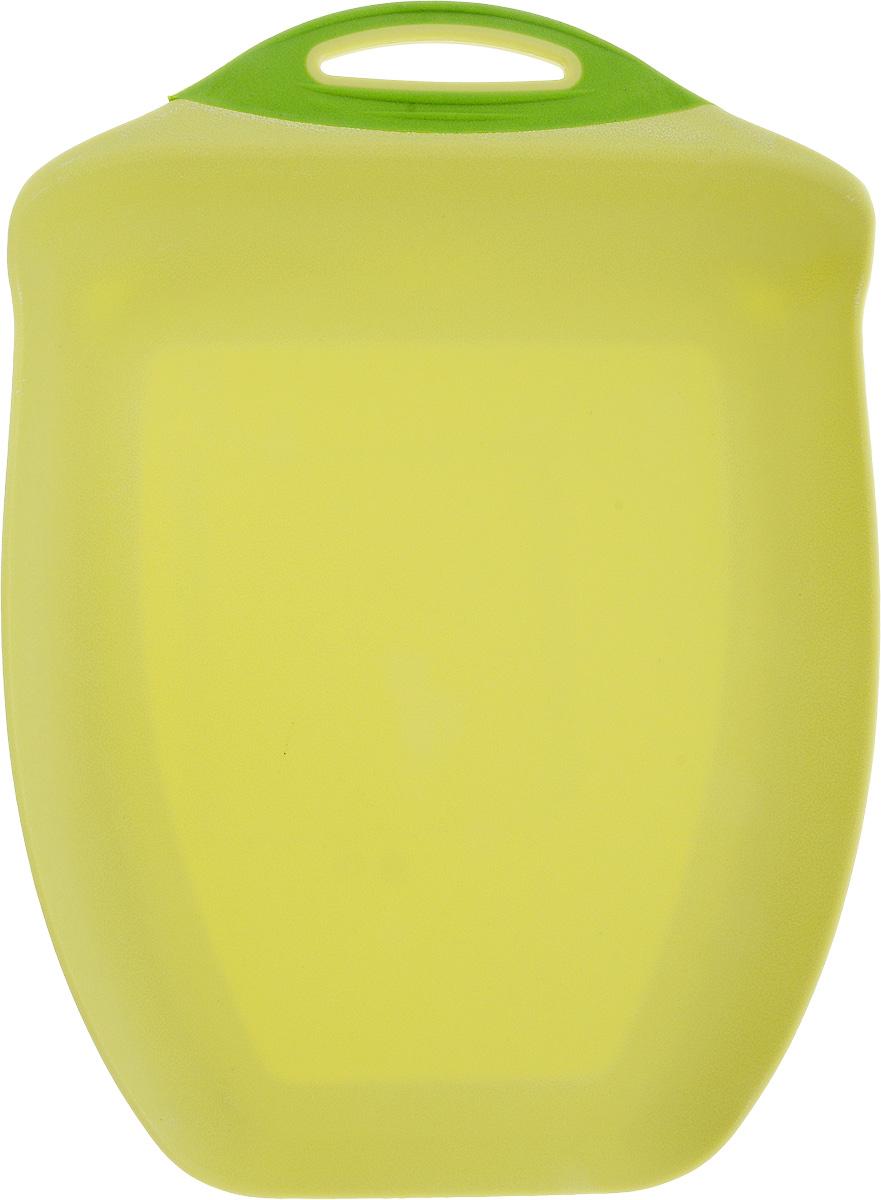 Доска разделочная Menu Рататуй, цвет: салатовый, 32,5 х 23,5 х 3,5 смRTT-32_салатовыйРазделочная доска Menu Рататуй выполнена из высококачественного пищевого пластика и предназначена для разделывания мяса, рыбы, нарезки овощей, фруктов, колбас, хлеба и сыра. Доска долговечна, износостойка и прекрасно подойдет для ежедневного использования. Поверхность доски не тупит лезвия ножей при использовании и не впитывает запахи продуктов. В конструкции доски предусмотрены специальные небольшие бортики, которые предотвратят случайное ссыпание продуктов с доски, но не будут мешать при нарезке. Для удобства хранения доска имеет отверстие для подвешивания в любое место на кухне.Мыть только вручную. Не применяйте мля мытья и чистки абразивные средства и сильнодействующие химикаты, это может привести к повреждению изделия.Размеры изделия (с учетом бортов): 32,5 х 23,5 х 3,5 см.