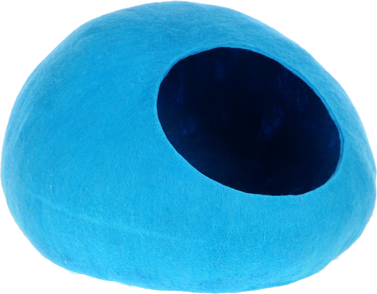 Домик-слипер для животных Zoobaloo WoolPetHouse, цвет: синий, размер L964Домик-слипер WoolPetHouse предназначен для отдыха и сна питомца. Домик изготовлен из 100% шерсти мериноса. Это невероятное творение дизайнеров обещает быть хитом сезона! Производитель учел все особенности животного сна: форма, цвет, материал этих домиков - всё подобрано как нельзя лучше! В них ваши любимцы будут видеть только цветные сны. Шерсть мериноса обеспечит превосходный микроклимат внутри домика, а его форма позволит питомцу засыпать в самой естественной позе.