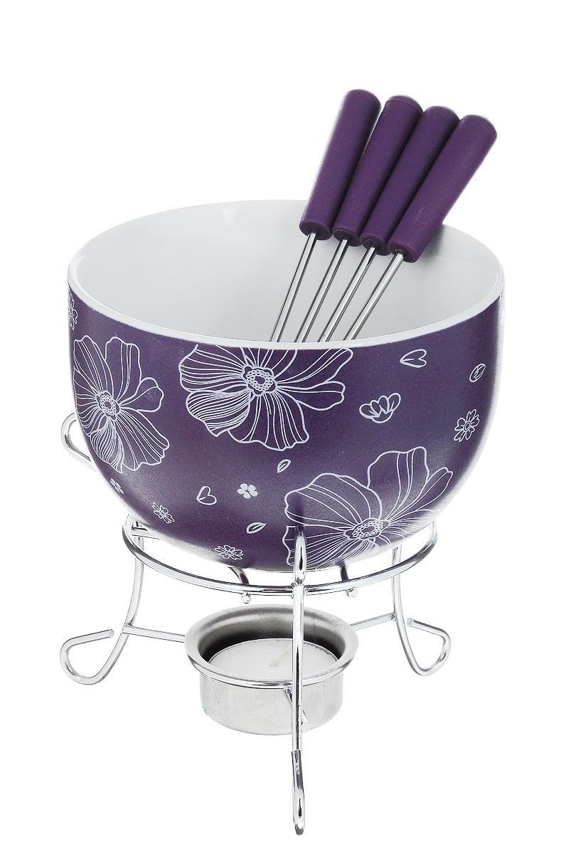 Набор для фондю Fissman Mini, цвет: фиолетовый, 8 предметов115510Набор для фондю Fissman Mini состоит из чаши, подставки с подсвечником и 4 вилочек. Чаша изготовлена из глазурованной керамики и декорирована цветочным рисунком. В центре подставки устанавливается свеча-таблетка (входит в комплект), сверху ставится чаша. В наборе имеется 4 вилочки с пластиковыми ручками.В чашечке растапливается шоколад, на вилочки насаживается зефир или фрукты - и вот нехитрый, но очень привлекательный способ украсить вечер в компании самых дорогих и любимых.Диаметр чаши (по верхнему краю): 11,5 см.Высота чаши: 7 см.Высота подставки: 8,5 см.Диаметр отверстия для свечи: 4 см.Длина вилочки: 15 см.