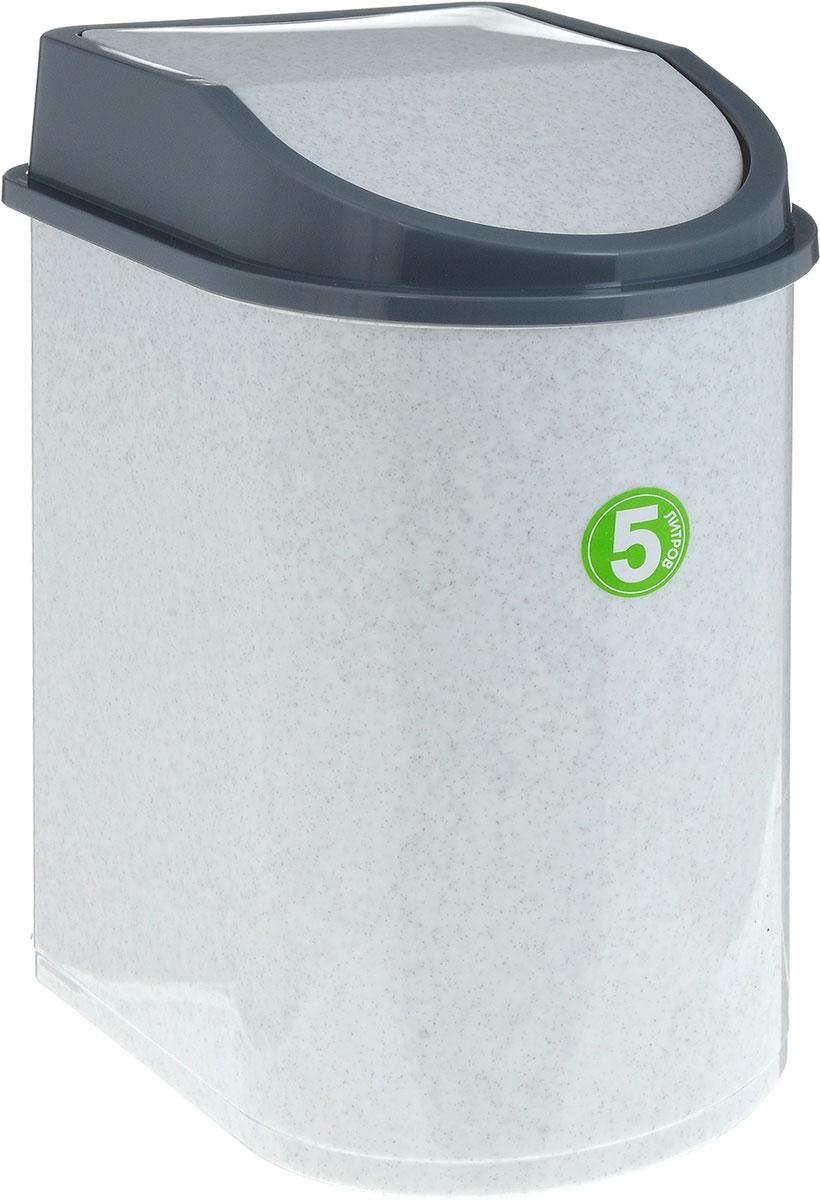 Контейнер для мусора Idea, цвет: мраморный, серый, 5 лNN-604-LS-BUМусорный контейнер Idea, выполненный из прочного полипропилена (пластика), не боится ударов и долгих лет использования. Изделие оснащено плавающей крышкой, с помощью которой его легко использовать. Крышка плотно прилегает, предотвращая распространение запаха. Вы можете использовать такой контейнер для выбрасывания разных пищевых и непищевых отходов. Контейнер может пригодиться также в ванной комнате или у туалетного столика.