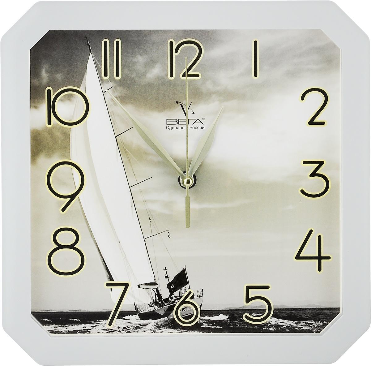 Часы настенные Вега Яхта, 28 х 28 х 4 см94672Настенные кварцевые часы Вега Яхта, изготовленные из пластика, прекрасно впишутся в интерьер вашего дома. Часы имеют три стрелки: часовую, минутную и секундную, циферблат защищен прозрачным стеклом. Часы работают от 1 батарейки типа АА напряжением 1,5 В (не входит в комплект).