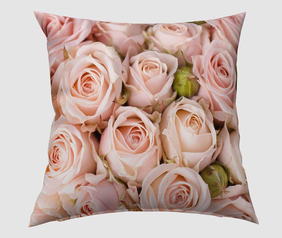 Подушка декоративная Сирень Молодые розы, 40 х 40 см1004900000360Декоративная подушка Сирень Молодые розы, изготовленная из габардина (100% полиэстер), прекрасно дополнит интерьер спальни или гостиной. Подушка оформлена красочным изображением. Внутри - мягкий наполнитель из холлофайбера (100% полиэстер). Красивая подушка создаст атмосферу тепла и уюта в спальне и станет прекрасным элементом декора.