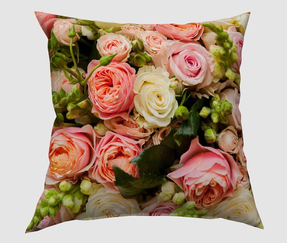 Подушка декоративная Сирень Букет французских роз, 40 х 40 см17102024Декоративная подушка Сирень Букет французских роз, изготовленная из габардина (100% полиэстер), прекрасно дополнит интерьер спальни или гостиной. Подушка оформлена красочным изображением. Внутри - мягкий наполнитель из холлофайбера (100% полиэстер). Красивая подушка создаст атмосферу тепла и уюта в спальне и станет прекрасным элементом декора.