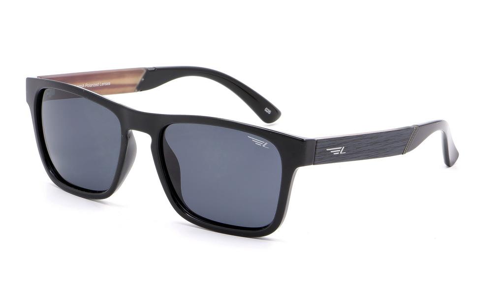 Очки поляризационные мужские Legna, цвет: черный, серый. S8600ABM8434-58AEСолнцезащитные очки Legna с поляризационными линзами превосходно предохраняют глаза от любого рода вредных бликов и УФ-лучей, что делает вождение безопасным и комфортным. Также очки Legna ничем не уступают самым известным маркам и брендам в эстетической части. Благодаря линзам премиум класса очки Legna прекрасно подходят для повседневной носки, занятий спортом, отдыха и конечно для использования за рулем.