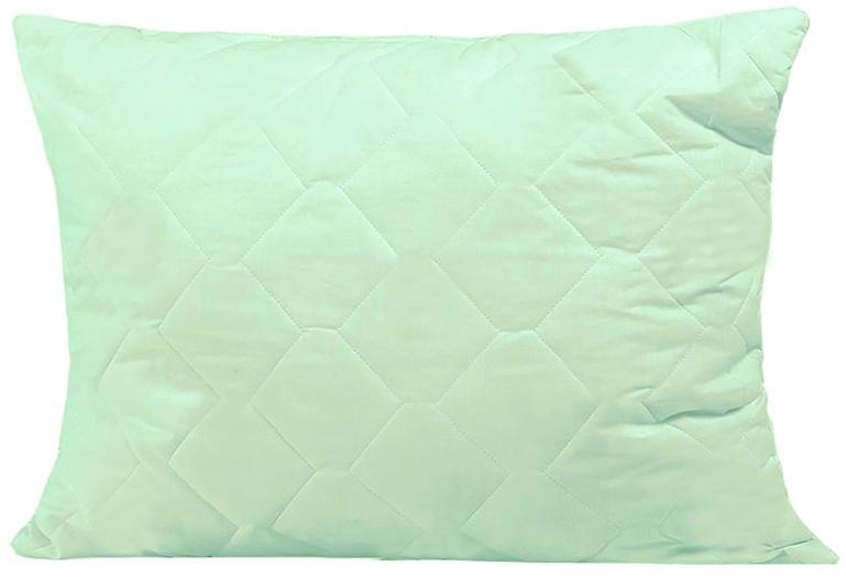Подушка Mona Liza, цвет: салатовый, 50 х 70 см. 53941416057Подушка Mona Liza подарит вам незабываемое чувство комфорта и умиротворения. Чехол выполнен из поликоттона, украшен изображением стеблей бамбука, фигурной стежкой и кантом по краю. В качестве наполнителя используется бамбуковое волокно, которое обладает удивительным балансом различных свойств и удовлетворяет требования даже самого изысканного покупателя. Такой наполнитель сохраняет ценные свойства растения и одновременно обеспечивает легкость изделия, мягкость и долговечность. Высокосиликонизированное волокно Royalton придает изделию упругость, быстро восстанавливает форму после смятия, имеет высокую стойкость к ее сохранению с течением времени. Свойства подушки с бамбуком: - Наполнитель обладает природным свойством антибактериальности, как в природе, так и в быту это волокно не повреждается грибками, плесенью и вредителями; это свойство сохраняется при многократных стирках. - Прочность и мягкость: плотность бамбукового волокна в 2 раза выше, чем у хлопка, при этом оно сохраняет устойчивость к механическим воздействиям в сухом и мокром состоянии; в то же время оно мягче хлопка, сходно по структуре с шелком. - Обладает активным влагопоглощением, не рекомендуется для использования в климатических зонах и отдельных помещениях с повышенной влажностью, людям с повышенной влажностью тела. - Не удерживает посторонние запахи, является природным дезодорантом. - Практически не содержит примесей вредных химических соединений, потому что производится путем дробления стебля, обработки его паром и биоферментами. Подушка проста в уходе, подходит для машинной стирки, быстро сохнет. Материал чехла: ткань (50% хлопок, 50% полиэстер), пласт (35% бамбук, 65% полиэстер). Наполнитель: 100% полиэстер.