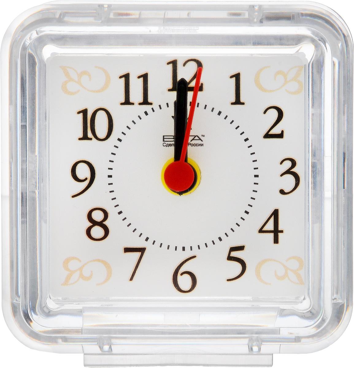 Часы-будильник Вега Узор4630011250772Настольные кварцевые часы Вега Узор изготовлены из прозрачного пластика. Часы имеют три стрелки - часовую, минутную и стрелку завода.Такие часы красиво и оригинально украсят интерьер дома или рабочий стол в офисе. Также часы могут стать уникальным, полезным подарком для родственников, коллег, знакомых и близких.Часы работают от батарейки типа АА (в комплект не входит). Имеется инструкция по эксплуатации на русском языке.