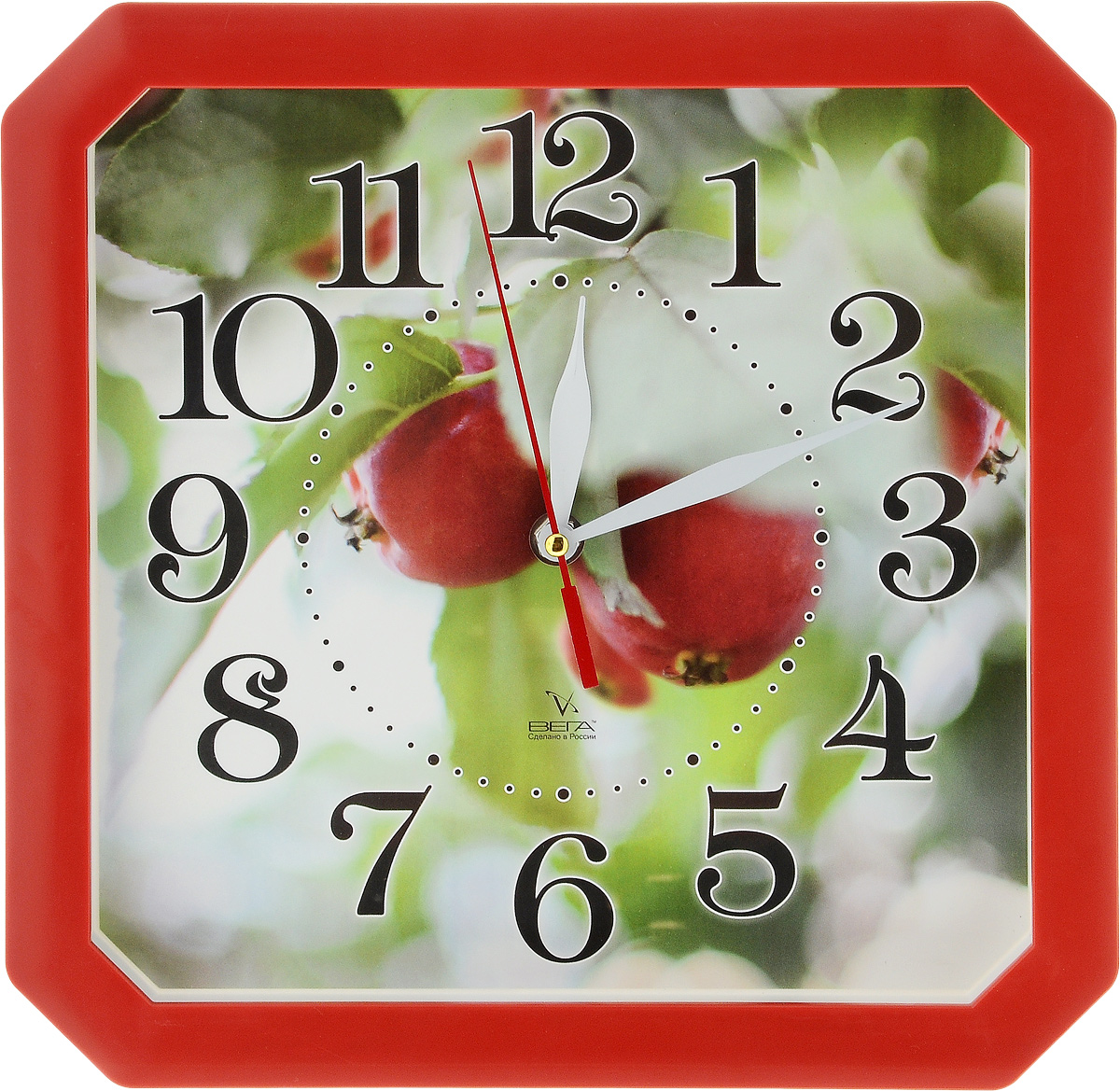 Часы настенные Вега Ранетки, 27,7 х 27,3 смП1-8/6-208Настенные кварцевые часы Вега Ранетки, изготовленные из пластика, прекрасно впишутся в интерьер вашего дома. Часы имеют три стрелки: часовую, минутную и секундную, циферблат защищен прозрачным стеклом. Часы работают от 1 батарейки типа АА напряжением 1,5 В (не входит в комплект). Прилагается инструкция по эксплуатации.