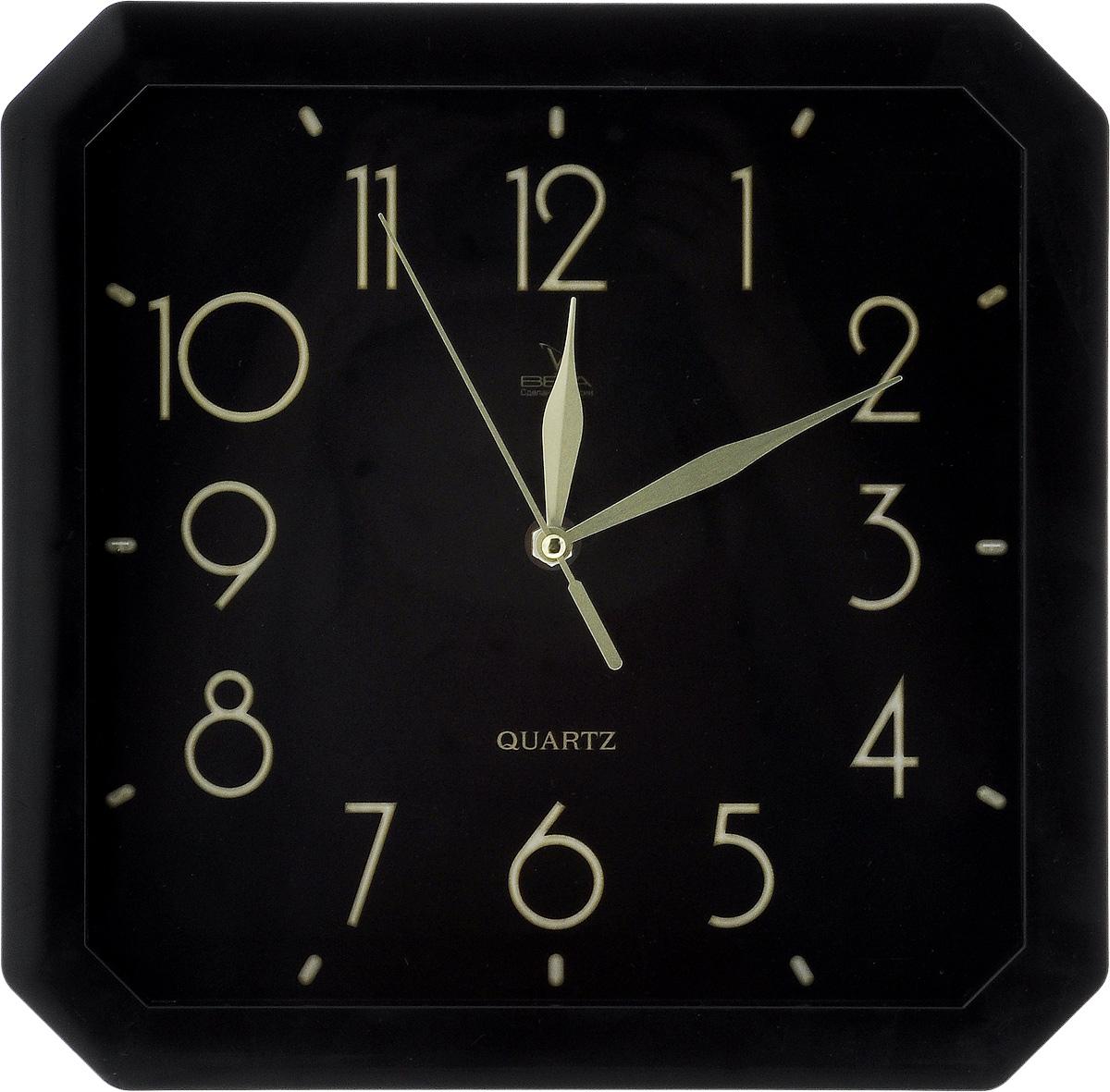 Часы настенные Вега Классика, 28 х 28 см. П4-6/6-74П3-14-131Настенные кварцевые часы Вега Классика, изготовленные из пластика, прекрасно впишутся в интерьер вашего дома. Часы имеют три стрелки: часовую, минутную и секундную, циферблат защищен прозрачным стеклом. Часы работают от 1 батарейки типа АА напряжением 1,5 В (не входит в комплект).Прилагается инструкция по эксплуатации.