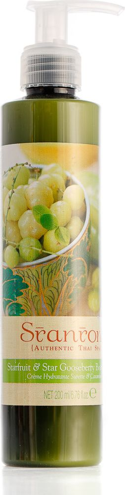 Sranrom Лосьон для тела Карамбола и дикий крыжовник 200 млFS-00897Фруктовый коктель с лосьоном для тела на каждый деньТайский или антильский крыжовник, карамбола, маракуя и амла или индийский крыжовник, содержащие Витамин С, издавна пользуются большой популярностью у тайских женщин за свой вкус и омолаживающие свойства. Эти сочные фрукты с восхитительным насыщенным вкусом считаются в Таиланде настоящими деликатесами. Их можно есть в свежем виде с остро-сладким соусом, а можно засушить или замариновать. Чтобы поделиться с вами всеми питательными свойствами этих тропических фруктов, мы сделали для вас восхитительный фруктовый коктейль, такой полезный для вашей кожи. Надеемся, вы будете от него в восторге! Карамбола, антильский крыжовник, амла и маракуя содержат большое количество витамина С, который является природным антиоксидантом, что наделяет эти фрукты прекрасными омолаживающими свойствами. Лосьон для тела с натуральным экстрактом крыжовника подарит вам прекрасный цвет, кожа засияет и станет свежей, как летняя ягодка! Применение: разотрите крем в ладонях, чтобы почувствовать его освежающий запах, несите на чистую кожу. Основные ингредиенты: цветочная вода, масло лайма, масло проростков риса, касторовое масло, витамин Е, экстракт карамболы, экстракт амлы, маракуйи и антильского крыжовника, масло жожоба, масло сладкого миндаля. Содержание натуральных компонентов около 91,5%