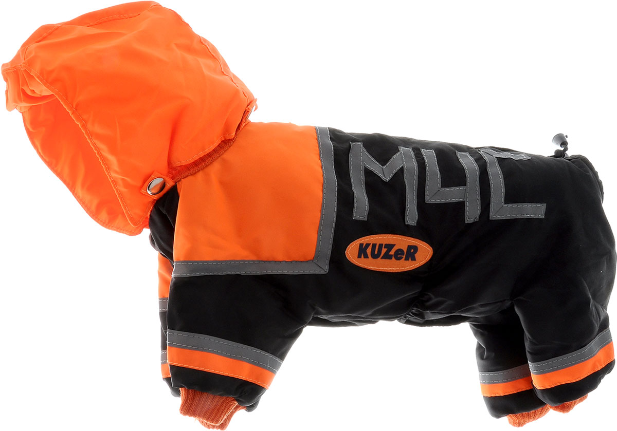 Комбинезон для собак Kuzer-Moda МЧС, для мальчика, утепленный, цвет: черный, оранжевый. Размер SDM-150334-4Комбинезон для собак Kuzer-Moda МЧС отлично подойдет для прогулок в прохладную погоду.Комбинезон изготовлен из прочной, ткани, которая сохранит тепло и обеспечит отличный воздухообмен. Комбинезон с капюшоном застегивается на кнопки, благодаря чему его легко надевать и снимать. Капюшон пристегивается при помощи кнопок. Ворот, низ рукавов и брючин оснащены резинками, которые мягко обхватывают шею и лапки, не позволяя просачиваться холодному воздуху. Изделие снабжено светоотражающими элементами. На пояснице имеются затягивающиеся шнурки, которые также не позволяют проникнуть холодному воздуху.Благодаря такому комбинезону простуда не грозит вашему питомцу, и он не даст любимцу продрогнуть на прогулке. Длина по спинке 29 см.