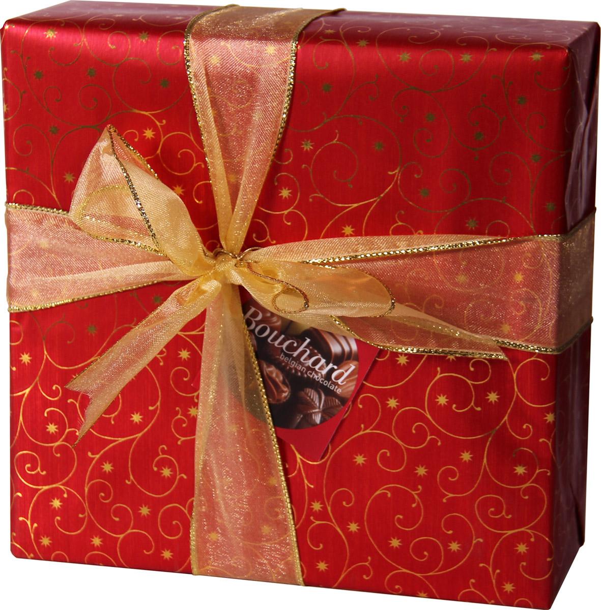 Bouchard Ассорти Премиум Бельгийская Шоколадная коллекция, 370 г0120710Восхитительные бельгийские шоколадные конфеты BOUCHARD L'ESCAUT Ассорти Премиум произведут впечатление на самого разборчивого знатока шоколада.Конфеты Bouchard наполнены нежнейшим кремом с добавлением миндаля и фундука. Покрыты изысканным бельгийским шоколадом. Отличаются ароматом ванили и насыщенным вкусом с притягательной терпкостью.Бельгийцы - непревзойденные мастера в приготовлении шоколада - считают это лакомство лучшим подарком. Нежный, буквально тающий во рту, он доставит удовольствие всем любителям сладкого.