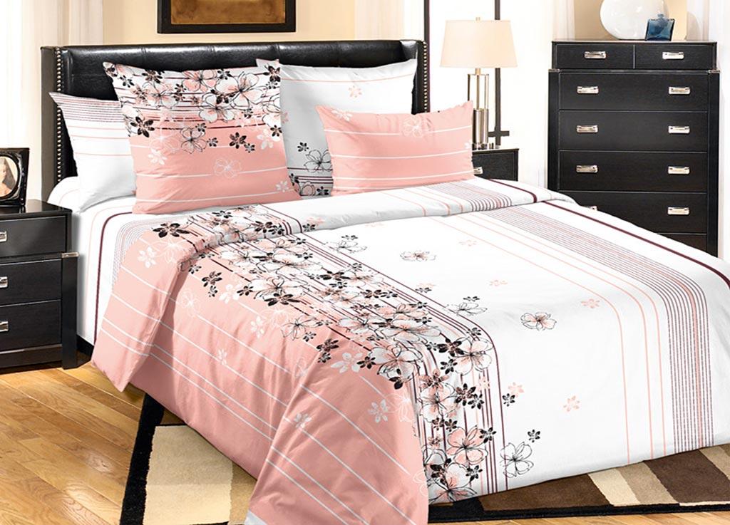 Комплект белья Primavera Утро, евро, наволочки 70x70, 50x70, цвет: розовыйRC-100BWCКомплект постельного белья Primavera Утро является экологически безопасным для всей семьи, так как выполнен из высококачественного хлопка. Комплект состоит из пододеяльника на молнии, простыни и четырех наволочек. Постельное белье оформлено цветочным узором и имеет изысканный внешний вид. Постельное белье из хлопка превращает жаркие летние ночи в прохладные и освежающие, а холодные зимние - в теплые и согревающие.Приобретая комплект постельного белья Primavera Утро, вы можете быть уверенны в том, что покупка доставит вам и вашим близким удовольствие и подарит максимальный комфорт.