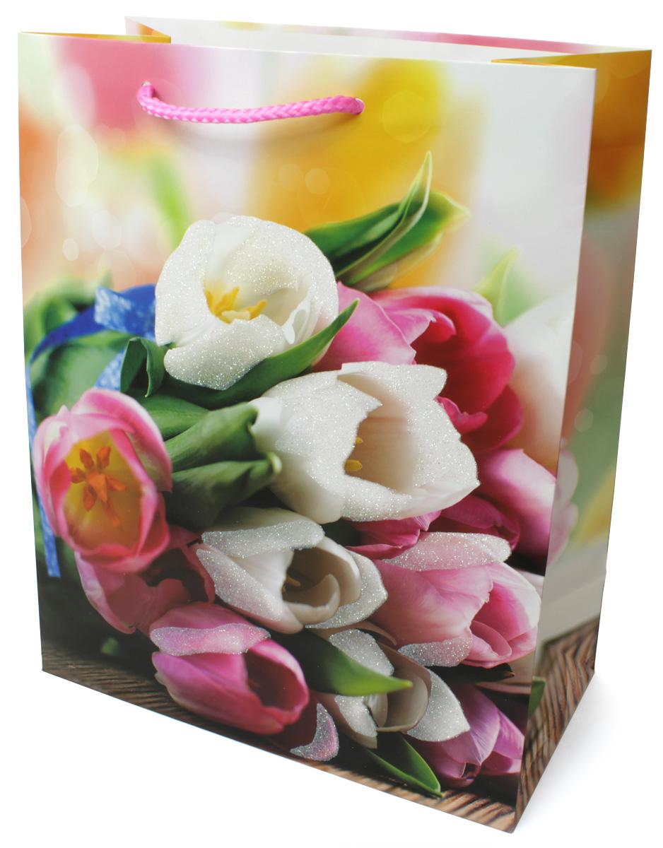 Пакет подарочный МегаМАГ Цветы, 26,4 х 32,7 х 13,6 см. 3063 LP43684Подарочный пакет МегаМАГ, изготовленный из плотной ламинированной бумаги, станет незаменимым дополнением к выбранному подарку. Для удобной переноски на пакете имеются ручки-шнурки.Подарок, преподнесенный в оригинальной упаковке, всегда будет самым эффектным и запоминающимся. Окружите близких людей вниманием и заботой, вручив презент в нарядном, праздничном оформлении.