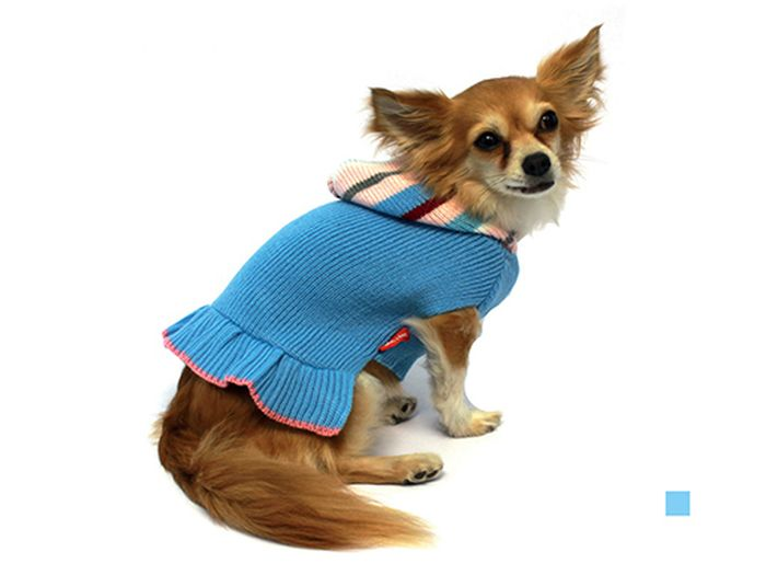 Платье для собак Каскад Полоска, вязаное, цвет: голубой. Размер M0120710Вязаное платье для собак Каскад отлично подойдет для прогулок в прохладную погоду или для дома. Платье не имеет рукавов, поэтому не ограничивает свободу движений, и собачка будет чувствовать себя в нем комфортно. Модель дополнена оборками и капюшоном с принтом в полоску.Модное и удобное платье согреет вашего питомца во время прогулок и защитит от пыли и насекомых.Длина по спинке: 25 см.