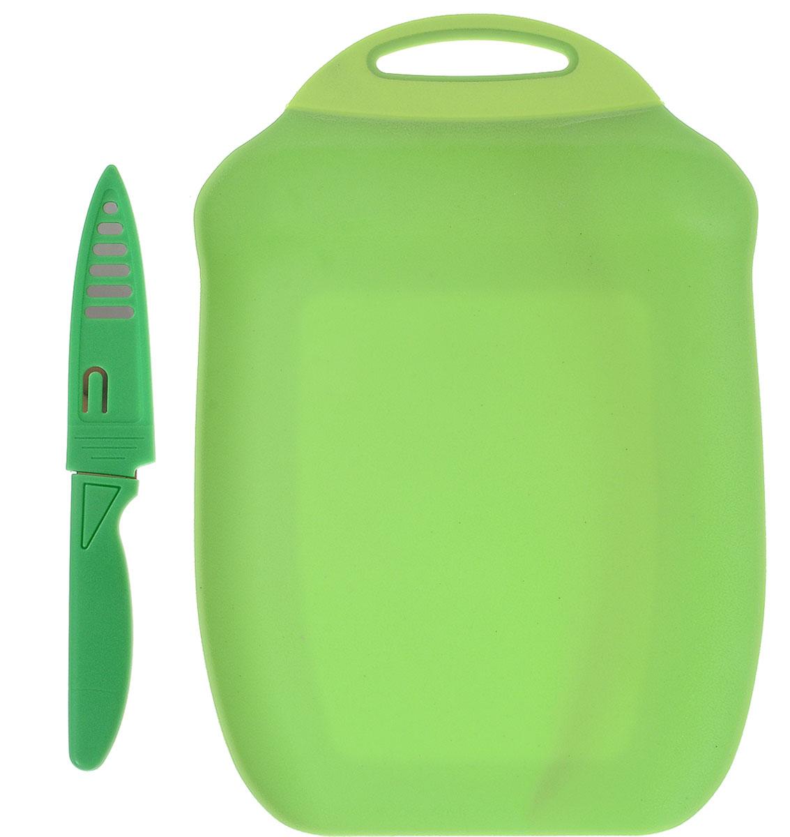 Доска разделочная Menu Ланч, с ножом, цвет: зеленый, 27 х 18 см391602Разделочная доска Menu Ланч изготовлена из высококачественного пищевого пластика и предназначена для разделывания рыбы, мяса, нарезки овощей, фруктов, колбас, сыра и хлеба. Поверхность доски не тупит лезвия ножей и не впитывает запахи продуктов. В конструкции доски предусмотрены специальные небольшие бортики, которые предотвратят случайное ссыпание продуктов. Для удобства хранения доска имеет отверстие для подвешивания. В комплекте имеется нож из нержавеющей стали с защитным чехлом. Эргономичная пластиковая рукоятка не позволяет ножу выскальзывать из рук. Любая хозяйка оценит функциональность данного набора. Мыть только вручную. Размер разделочной доски: 27 х 18 см.Длина ножа: 19 см.Длина лезвия ножа: 10 см.