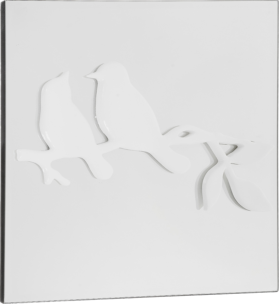 Украшение декоративное Феникс-Презент Птицы, настенное, 30 x 30 x 3 см300144Настенное украшение Феникс-Презент Птицы изготовлено из основы МДФ и зеркального стекла, декоративный элемент выполнен из полирезина в виде двух птичек, сидящих на ветке. Для удобства размещения изделие оснащено металлической петелькой для подвешивания. Такое украшение не только подчеркнет ваш изысканный вкус, но и прекрасным подарком, который обязательно порадует получателя.