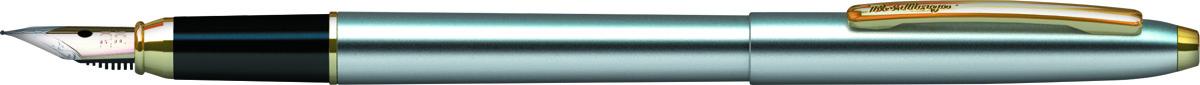 Berlingo Ручка перьевая Golden Prestige цвет корпуса серебристый золотистыйCPs_82314Металлическая ручка от Berlingo выглядит стильно, пишет точно и служит долго. Качественное перо с иридиевым окончанием 0,8 миллиметра позволяет писать легко, точно и с удовольствием. Металлический корпус придает ручке вес, подходящий для максимально каллиграфичного письма, а стильный дизайн в современном урбанистическом стиле и хромированный корпус делают ручку стильным аксессуаром. Зажим золотистого цвета играет роль яркой акцентированной точки, а тонкая гравировка на наконечнике придает изделию изысканность.Ручка упакована в индивидуальный пластиковый футляр с прозрачной крышкой. В комплекте картридж.