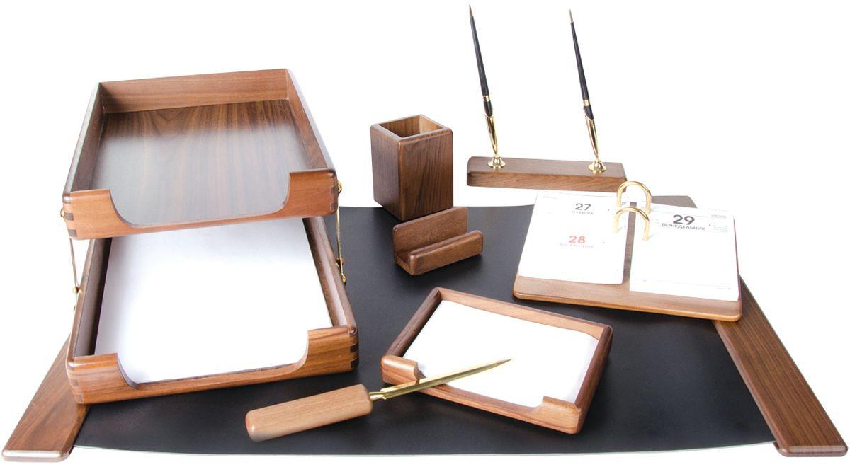 Delucci Канцелярский набор 8 предметов цвет ореховыйDBd_00029_синийВ состав набора Delucci входят: подкладка для письма, подставка для ручек (2 ручки в комплекте), подставка для бумажного блока, подставка для карандашей, подставка для визитных карточек, нож для открывания писем, подставка для календаря, двухуровневый лоток для бумаг.