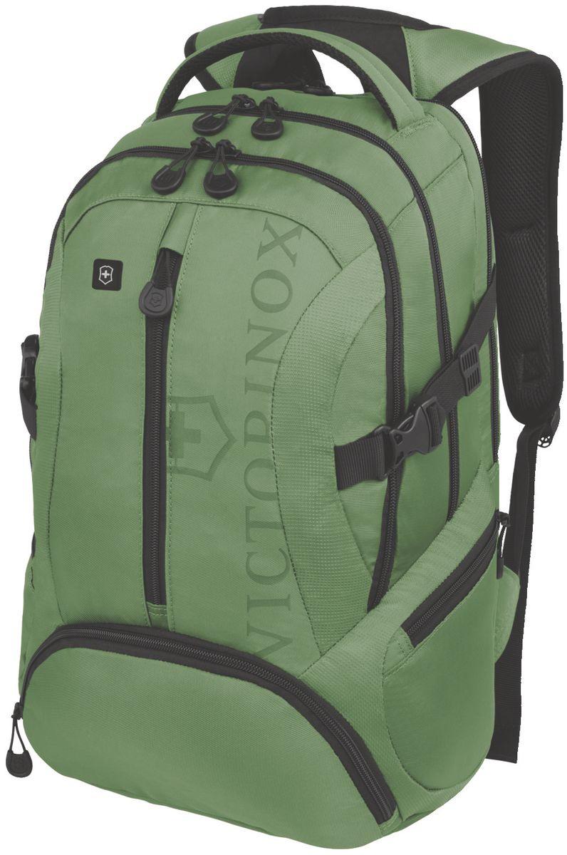 Рюкзак городской Victorinox VX Sport Scout, цвет: зеленый, 20 л + ПОДАРОК: нож-брелок EscortГризлиКоллекция VX Sport сочетает в себе культовый дизайн и прочную конструкцию.Основанные на многогранной функциональности,которая присуща оригинальному швейцарскому армейскому ножу,рюкзаки этой коллекции обеспечивают защиту современным технологическим устройствам и многофункциональную организацию вещей таким образом,что вы будете готовы к любой ситуации. VICTORINOX арт. 31105006 РЮКЗАК ДЛЯ НОУТБУКА ДИАГОНАЛЬЮ 16 / 41 СМ С КАРМАНОМ ДЛЯ ПЛАНШЕТА / ЭЛЕКТРОННОЙ КНИГИ 33x18x46 см 1 кг 20 л ХАРАКТЕРИСТИКИ И СВОЙСТВА • Мягкое отделение для ноутбука диагональю 16 (41см) с гладкой, устойчивой к механическим повреждениям подкладкой • Мягкий карман для портативного электронного устройства диагональю 10 (25 см) с гладкой, устойчивой к механическим повреждениям подкладкой • Внешняя организационная секция включает в себя карман на молнии по всей длине, карман для хранения электроники, карман для хранения периферийных устройств, сетчатый карман для документов, удостоверяющих личность, кармашек для ручки и карабин для ключей • Фронтальная сторона включает в себя внешний карман на молнии и многофункциональные боковые сетчатые карманы, идеально подходящие для бутылки с водой или зонтика • Мягкая задняя стенка и мягкие регулируемые плечевые ремни для максимального комфорта • Задний рукав для продевания через телескопическую ручку чемоданов позволяет одновременно перемещать два и более предметов багажа