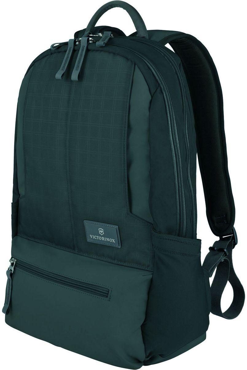 Рюкзак городской Victorinox Altmont 3.0 Laptop Backpack, цвет: черный, 25 л + ПОДАРОК: нож-брелок EscortГризлиИндивидуальность — это то,что отличает вас от любого другого человека,с которым вы сталкиваетесь на улице,в поезде,с которым вы общаетесь в городе.Каждый день вашей жизни — это уникальный опыт,котрый никогда больше не повторится.Коллекция Almont 3.0 создавалась с рачетом на индивидульность. VICTORINOXарт. 32388301РЮКЗАК ДЛЯ НОУТБУКА32x17x46 см0,7 кг25 л• Идеально приспособленный для ежедневных поездок на работу, этот прочный вместительный рюкзак прекрасно подойдёт для хранения ноутбука и других повседневных вещей• Внутренняя организационная секция включает в себя карман с откидной крышкой, петли для ручек, карман для небольших электронных устройств и карманы для хранения• На внешней части рюкзака расположены две застежки-молнии, обеспечивающие быстрый доступ для хранения мелких предметов, и многофункциональные растягивающиеся боковые карманы