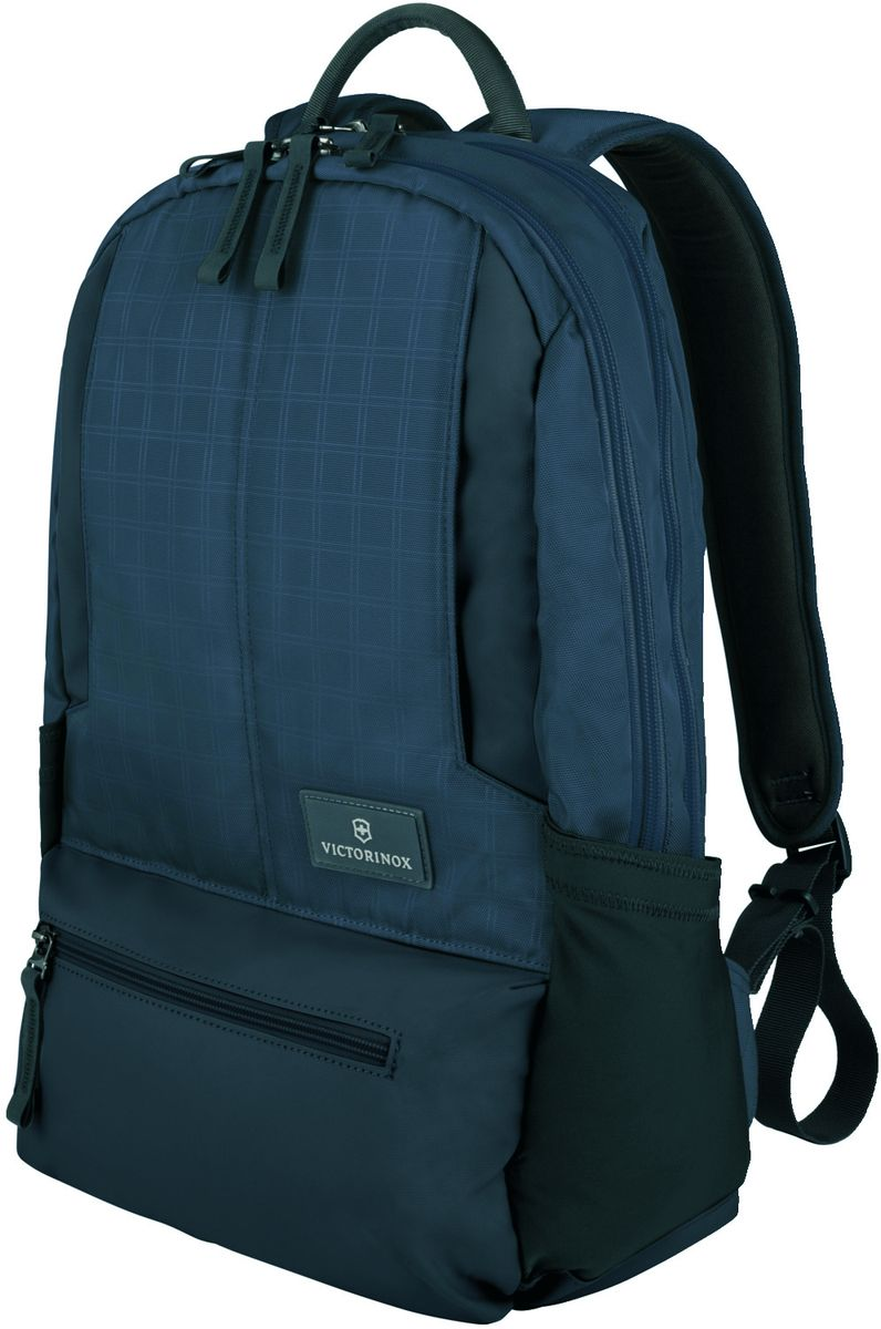 Рюкзак городской Victorinox Altmont 3.0 Laptop Backpack, цвет: синий, 25 лГризлиИндивидуальность — это то,что отличает вас от любого другого человека,с которым вы сталкиваетесь на улице,в поезде,с которым вы общаетесь в городе.Каждый день вашей жизни — это уникальный опыт,котрый никогда больше не повторится.Коллекция Almont 3.0 создавалась с рачетом на индивидульность. VICTORINOXарт. 32388309РЮКЗАК ДЛЯ НОУТБУКА32x17x46 см0,7 кг25 л• Идеально приспособленный для ежедневных поездок на работу, этот прочный вместительный рюкзак прекрасно подойдёт для хранения ноутбука и других повседневных вещей• Внутренняя организационная секция включает в себя карман с откидной крышкой, петли для ручек, карман для небольших электронных устройств и карманы для хранения• На внешней части рюкзака расположены две застежки-молнии, обеспечивающие быстрый доступ для хранения мелких предметов, и многофункциональные растягивающиеся боковые карманы