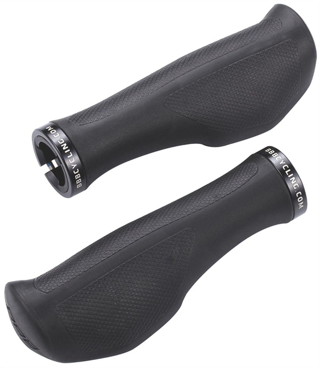 Грипсы BBB ErgoFix,цвет: черный, 13,2 см, 2 штBHG-71С внутренней стороны руки, в области большого и указательного пальцев, профиль грипс BBB ErgoFix тонкий. Они отлично подходят и для небольших ладоней, но также хорошо подходят для крупных. Основа грипс - материал Kraton, применяемый для структурной целостности. Также, применяются гелевые вставки для большего комфорта и лучшей ухватистости. На внешней стороне грипс размещен своего рода бампер для дополнительного контроля. В части дополнительного сцепления добавлены алюминиевые фиксирующие кольца для быстрой установки. Заглушки руля интегрированы с грипсами во избежание использования лишних деталей.Особенности:Эргономичные грипсы с гелевой поддержкой ладони.Очень удобные за счет анатомической формы и поддержки ладони.Фиксация алюминиевым хомутом.Хомут с резьбовым фиксатором надежно удерживает от проскальзывания на руле.Простой монтаж.Длина: 132 мм.
